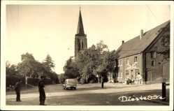 Foto Ak Diestedde Wadersloh, Straßenkreuzung mit Blick zur Kirche