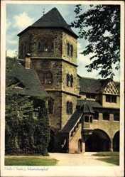 Postcard Halle an der Saale, Blick in den Moritzburghof, Treppe, Rankenbewuchs