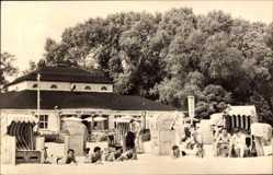 Postcard Ueckermünde in Mecklenburg Vorpommern, HOG im Strandbad, Strandkörbe