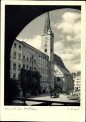 Postcard Wasserburg am Inn, Blick auf die Kirche am Marktplatz, Autos