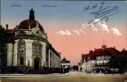 Postcard Landau in der Pfalz, Blick in die Moltkestraße, Gebäude, Passanten