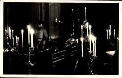 Ak König Friedrich August III. von Sachsen, Sarg, Kerzen, Wachposten