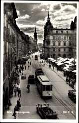 Postcard Graz Steiermark, Blick in die Herrengasse, Straßenbahn Nr 93, Markt