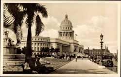 Postcard Havanna Kuba, Capitol, Straßepartie, Autos, Denkmal, Passanten