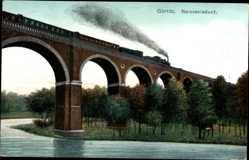 Postcard Görlitz Oberlausitz, Lokomotive überquert die Brücke über dem Kanal