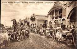 Postcard Kolkata Kalkutta Indien, Goods Sheds, Howrah Railway Station, Kühe