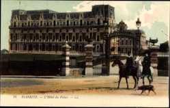 Postcard Biarritz Pyrénées Atlantiques, L'Hótel du Palais, Reiter