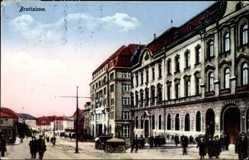 Postcard Poszony Pressburg Bratislava Slowakei, Straßenpartie, Passanten