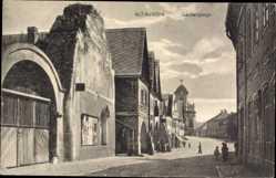 Postcard Alt Lauscha Reg. Aussig, Laubengänge, Kirche, Straßenpartie, Tor
