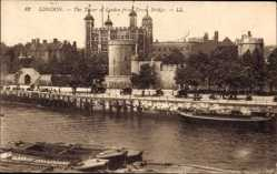 Ak London City, View of the Tower from Trower Bridge, Themse