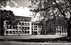 Ak Vevey Kt. Waadt Schweiz, Nestle, la Tour de Peilz, Straßenpartie, Fassade