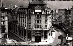 Postcard Montreux Kt. Waadt Schweiz, Banque Populaire Suisse, Straßenpartie