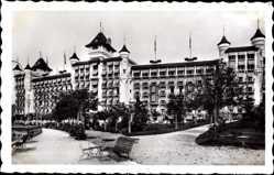 Postcard Caux Kt. Waadt Schweiz, Mountain House, Hotel, Platz, Fassade
