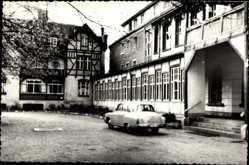 Postcard Friedensau Möckern, Erholungsheim, Auto, Eingang, Balkon, Fachwerk