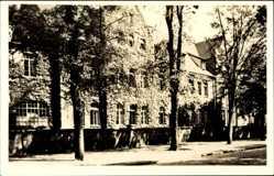 Postcard Genthin am Elbe Havel Kanal, Blick auf das Krankenhaus, Mauer, Fenster