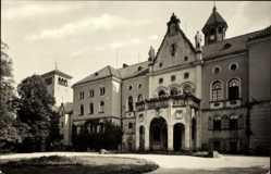 Postcard Waldenburg in Sachsen, Partie an der Auffahrt des Schlosses