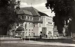 Ak Blankenburg am Harz, Blick von außen auf das Kurhotel, Kurtheater
