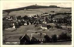 Postcard Seiffen im Erzgebirge, HO Hotel Buntes Haus mit Umgebung
