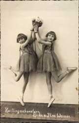 Foto Ak Zwillingsschwestern Erika und Ilse Werner, Balletttänzerinnen