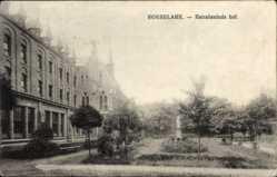 Postcard Roeselare Westflandern, Retraitenhuis hof, Garten, Statue