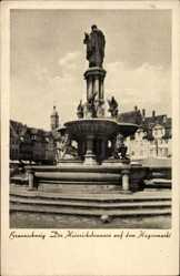 Postcard Braunschweig in Niedersachsen, Der Heinrichsbrunnen auf dem Hagenmarkt