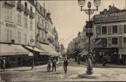 Postcard Vichy Allier, Perspective de la Rue de Nimes, Straßenpartie, Geschäfte