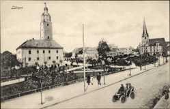 Postcard Lützen im Burgenlandkreis, Straßenpartie, Kirche, Automobil