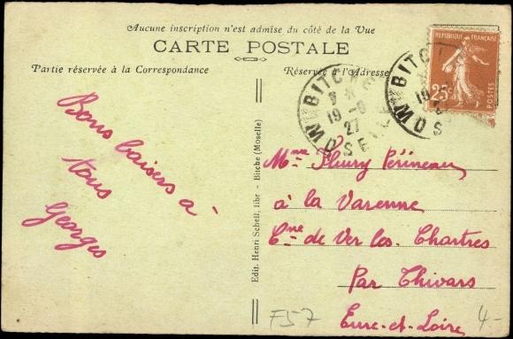 Derrière Carte postale Bitche Moselle, Soldats devant la Caserne Teyssier
