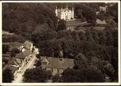 Postcard Ahrensburg, Blick auf die Kirche und das Schloss, Fliegeraufnahme