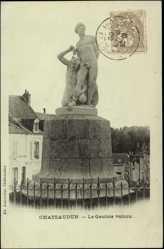 Cp Chateaudun Eure et Loir, vue du Gaulois vaincu