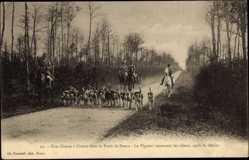 Cp Dreux Eure et Loire, vue générale d'une Chasse à Courre dans la Forêt