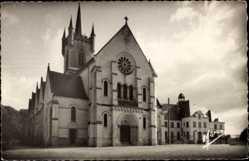 Cp Valancay Indre et Loire, vue générale de l'Eglise et l'Hôpital