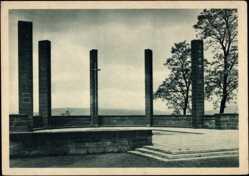 Postcard Saarbrücken, Ansicht vom Ehrenmal, Kreuz, Kolumnen