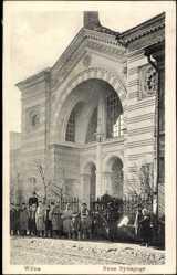 Postcard Vilnius Wilna Litauen, Ansicht der neuen Synagoge, Soldaten, Juden