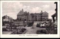 Postcard Riesa an der Elbe Sachsen, Blick auf die Carola Schule mit Schulhof