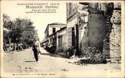 Postcard Bitola Monastir Mazedonien, Rue du Roi Pierre apres le bombardement, Ruinen