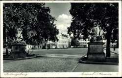 Postcard Ludwigsburg, Blick auf die Arsenal Kaserne, Statuen