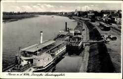 Postcard Riesa an der Elbe Sachsen, Dampfer Bodenbach am Landungsplatz