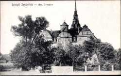 Ansichtskarte / Postkarte Schönfeld in Sachsen, Blick auf das Schloss, Glockenturm, Fassade