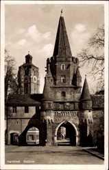 Postcard Ingolstadt an der Donau Oberbayern, Straßenpartie mit Blick auf Keuztor