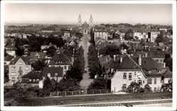 Postcard Ludwigsburg in Baden Württemberg, Blick auf den Ort, Kirche, Bahnschienen