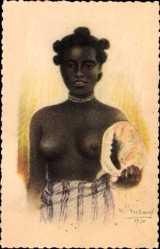 Künstler Ak Madagascar, Jeune fille au coquillage, Barbusiges Mädchen, Muschel