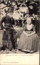 Ak Niederlande, Oude Man en Vrouw, Eiland Walcheren, Altes Ehepaar in Trachten
