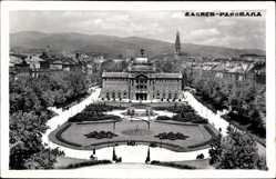Postcard Zagreb Kroatien, Panorama der Stadt, Platz, Gartenflächen