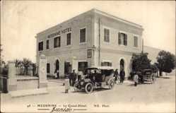 Postcard Medenine Tunesien, Le Grand Hôtel, Straßenpartie vor dem Hotel