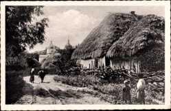 Postcard Ukraine, Ukrainischer Marktflecken, Strohdachhäuser