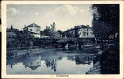 Postcard Crikvenica Kroatien, Flusspartie mit Blick zum Ort, Brücke