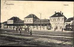 Postcard Leopoldov Slowakei, Nadrazi, Bahnhof, Gleisseite
