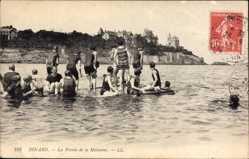 Ak Dinard Ille et Vilaine, La Pointe de la Malouine, Badegäste