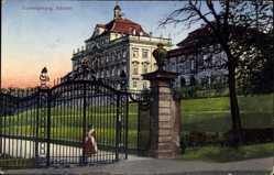 Postcard Ludwigsburg in Baden Württemberg, Blick auf das Schloss mit Hofportal